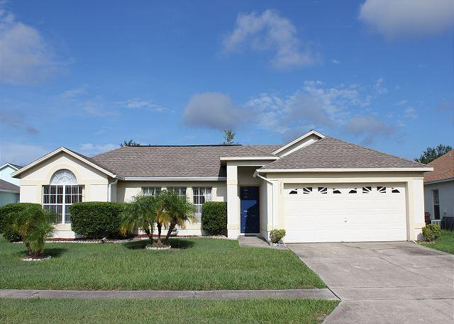 Excellent Vacation Home with Private Pool, free Wi-Fi, Wii and X-box 360 - Image 1 - Kissimmee - rentals