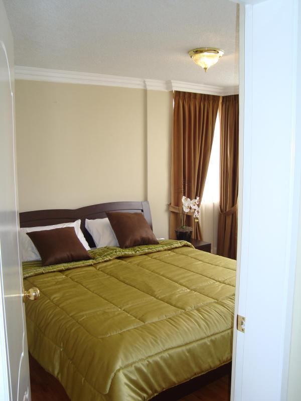 Master Bedroom - APT. AMOBLADO NORTE DE QUITO CERCA CONDADO MALL - Quito - rentals