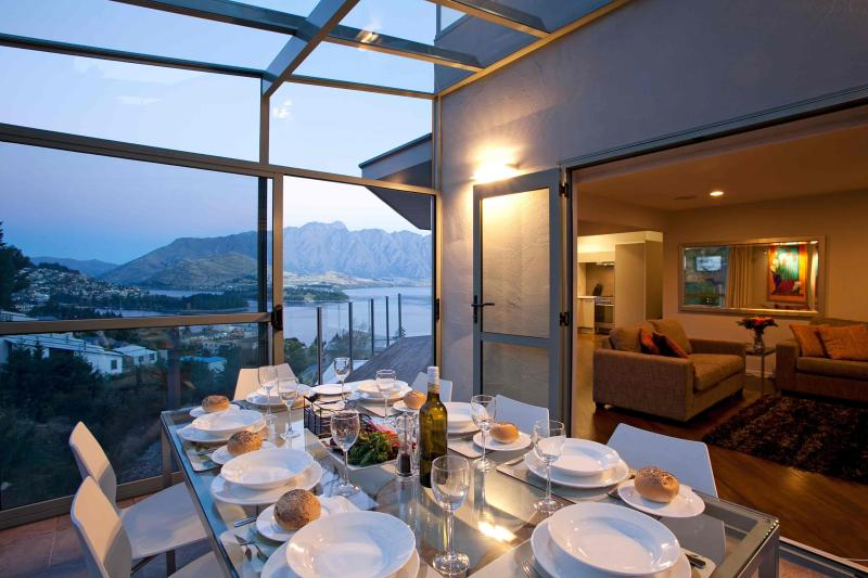 Views from dining table in conservatory - REMARKABLE VISTA - Queenstown - rentals