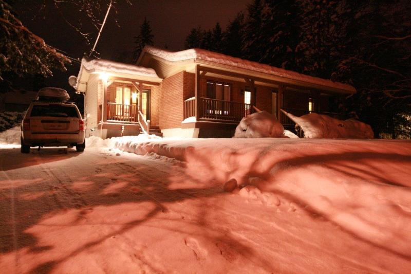 "Winter - Budget Ski: 3 bedroom 42"" TV, laptop & WiFi - Mont Tremblant - rentals"