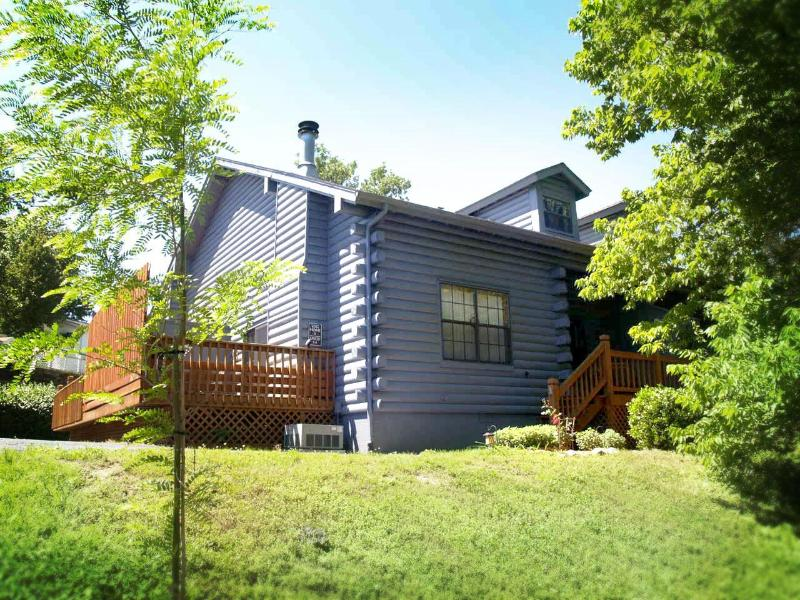 Nestled into Nature - the way a cabin should be - Woods Edge Cabin IN Branson- NO CLEANING FEES! - Branson - rentals