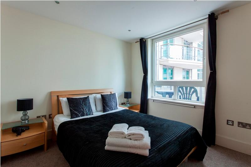 St. George's Wharf  2 Bed Apartment  -Hot Deal - Image 1 - London - rentals