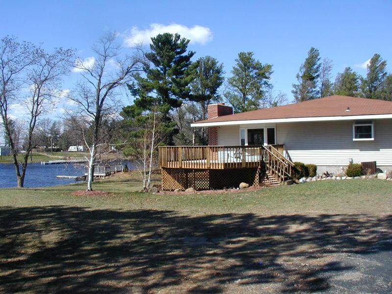 Snug Harbor on Castle Rock Lake, near the WI Dells - Image 1 - Friendship - rentals