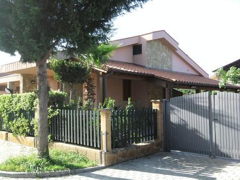 Bright Villa Mediterranea only 35meters far to sea - Image 1 - Cefalu - rentals