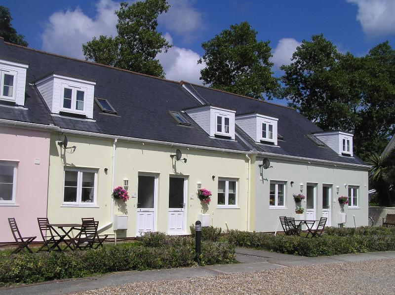 Ellingham Cottages - Beautiful 4* Self Catering Cottage in Guernsey - Saint Martins - rentals