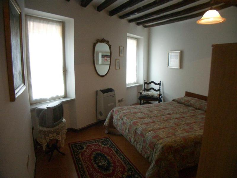 Apartment in the city center - Image 1 - Parma - rentals
