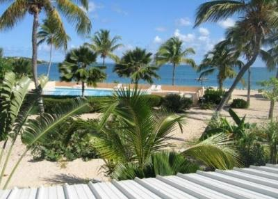 Charming Studio On The Beach - Image 1 - Nettle Bay - rentals