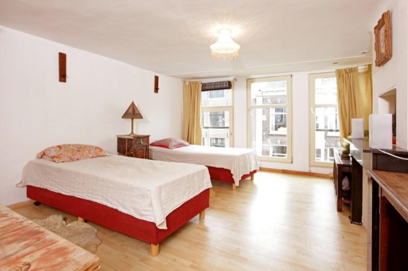 Apartment Ibiza-Amsterdam - Classic Dutch House - Image 1 - Amsterdam - rentals