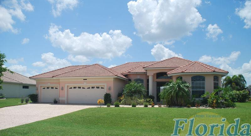 Villa Avalon a Beautiful Home located in SE Cape Coral's Four Mile Cove Area  This home offers an elegant atmosphere and open floor plan. - Villa Avalon - Cape Coral - rentals