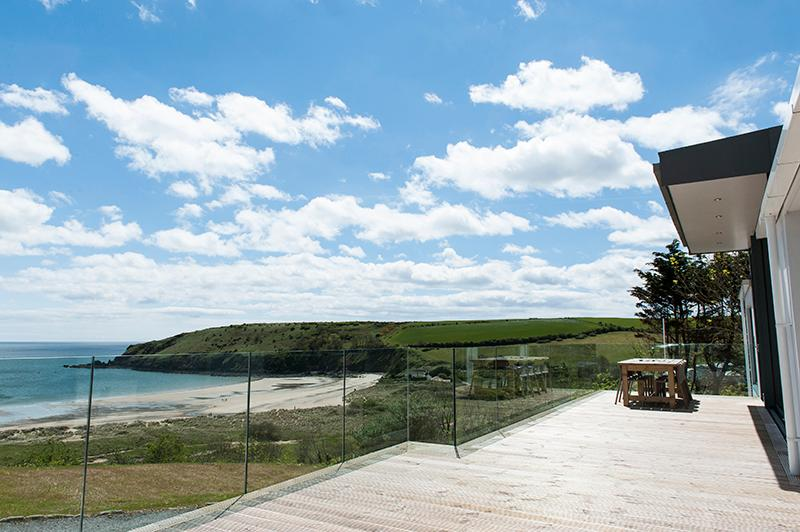 Five Star Holiday Cottage - Merlin House, Freshwater East - Image 1 - Freshwater East - rentals