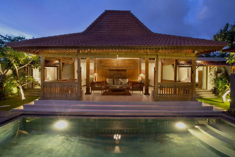Two Bedroom Pool Villa - outdoor - Villa within 5 minutes walking to Berawa beach - Kuta - rentals