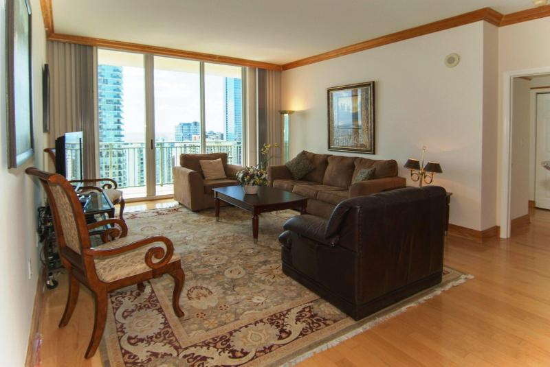 Living Area - Stunning OceanView Penthouse in the Heart of Miami - Miami Beach - rentals