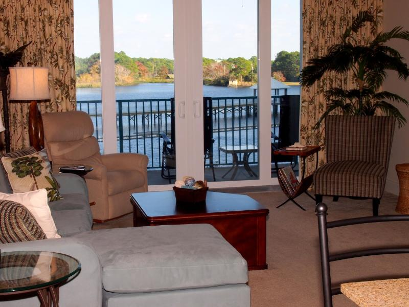 Comfortable living area with gorgeous view of the lake - Gorgeous New 2 Bedroom Laketown Wharf with Amazing View - Panama City Beach - rentals