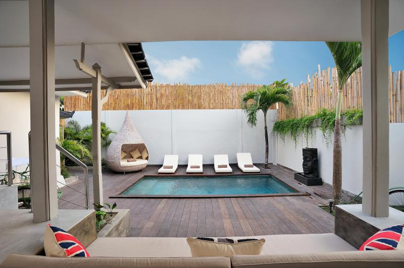 Luxury Outdoor Living - The Spot For A Poolside Pina Colada - 4 Bedroom Seminyak Villa Sleeps 10ppl - Villa Bu - Seminyak - rentals