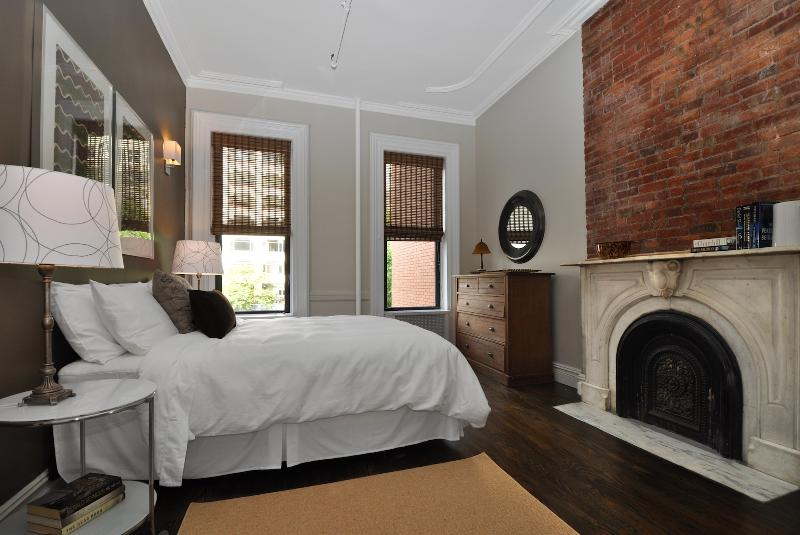 Bedroom One (view two) - Spacious Spotless Sun Drenched -LEGAL 4 BED in NYC - New York City - rentals