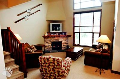 Living Room - Trapper's Landing Townhouses - 27 - Sun Peaks - rentals