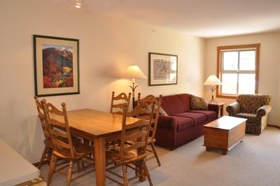 Dining Room - Fireside Lodge Village Center - 413 - Sun Peaks - rentals