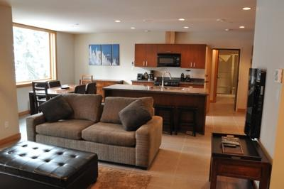 Living Room - Kookaburra Village Center - 204 - Sun Peaks - rentals