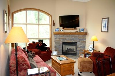 Living Room - Crystal Forest Condos - 54 - Sun Peaks - rentals