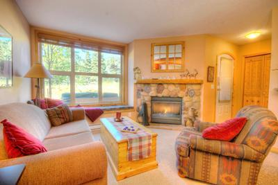 Living Room - Crystal Forest Condos - 32 - Sun Peaks - rentals
