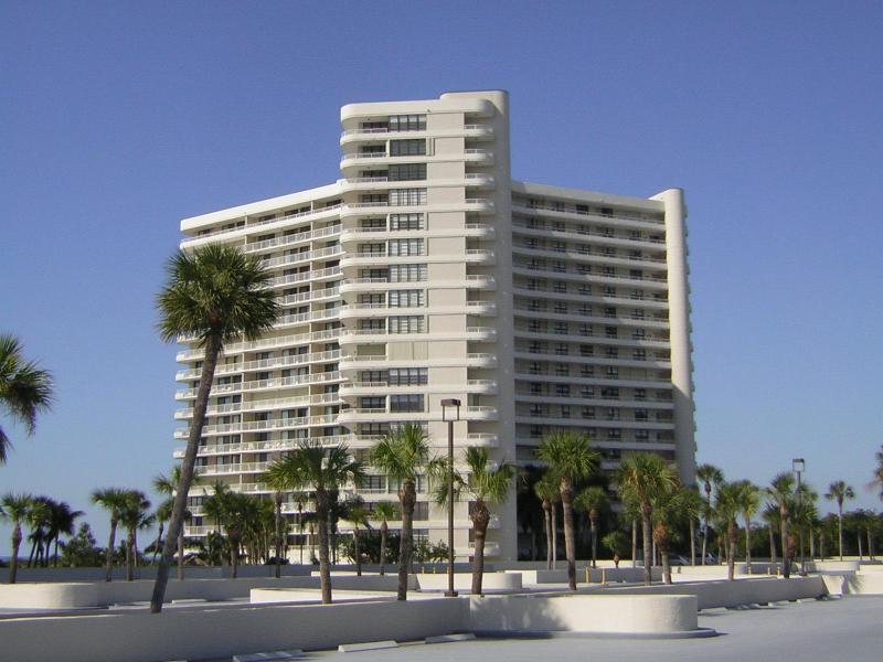 Building - Marco Island Beachfront 2-Bedroom / 2-Bath Condo - Marco Island - rentals