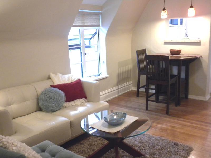 1 BEDROOM in the heart of Denver Uptown - Image 1 - Denver - rentals