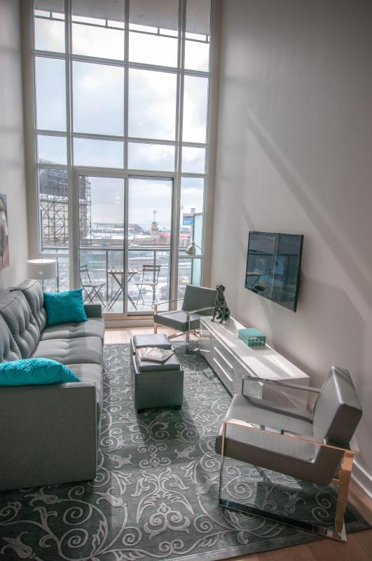 Sherry's Loft - Two story/one bedroom Loft-FREE WIFI/NO CLEAN FEE - Toronto - rentals
