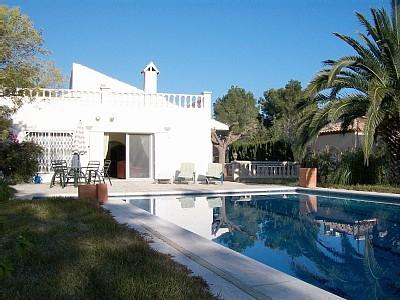 Spacious mature garden with a fabulous pool - Superb luxury detached Villa close to amenities - L'Ametlla de Mar - rentals