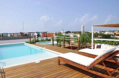 Roof top patio with ocean view - TURTLE COVE-2 BR Rooftop Pool,View,Heated Jacuzzi - Playa del Carmen - rentals