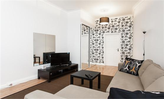 SUPERB! Apt. Camden Town - free WIFI (sleeps 7-8) - Image 1 - London - rentals