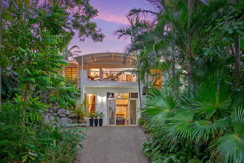 Tranquila in the Heart of Palm Cove - Image 1 - Palm Cove - rentals