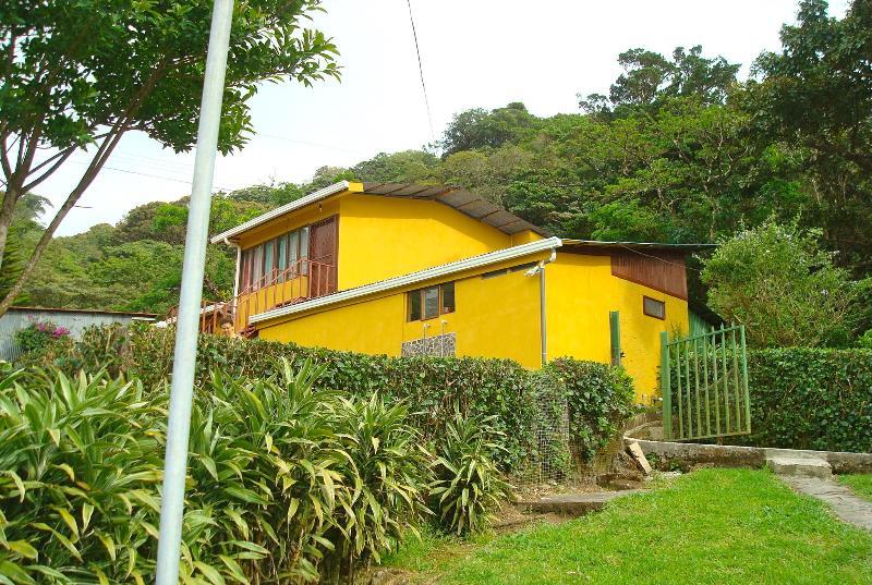 outside of Casa Balbi - Casa Balbi - Studio Apt. Monteverde Cloud Forest - Monteverde Cloud Forest Reserve - rentals
