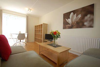 Birds, bees and (two) bedrooms in Chiswick! - Image 1 - London - rentals