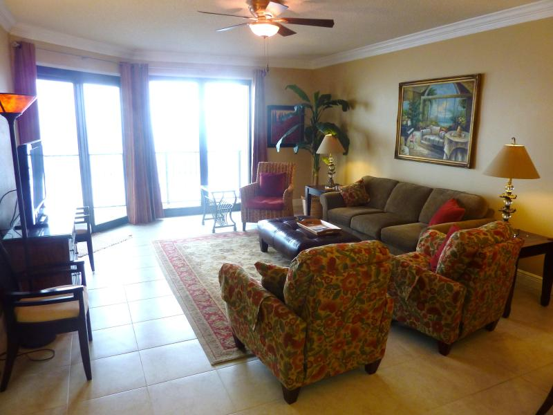 Living Area - Ph 6, Wknd. Sep 17-18 $165/n, Sep 24-10/ 12, $165 - Orange Beach - rentals