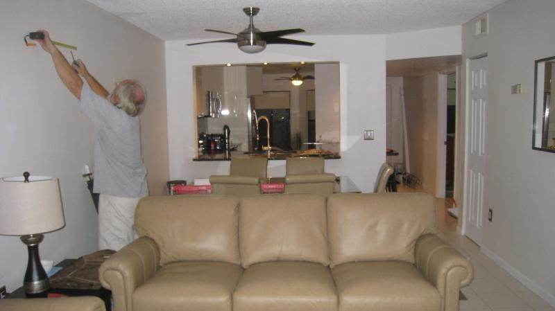 Leather sofas and dining seats - Shorewalk  LUXURY condo IMG 3 min BEACHES 15 min - Bradenton - rentals