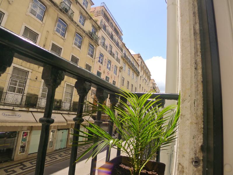 FI- Design, AC, Central, Large - Image 1 - Lisbon - rentals