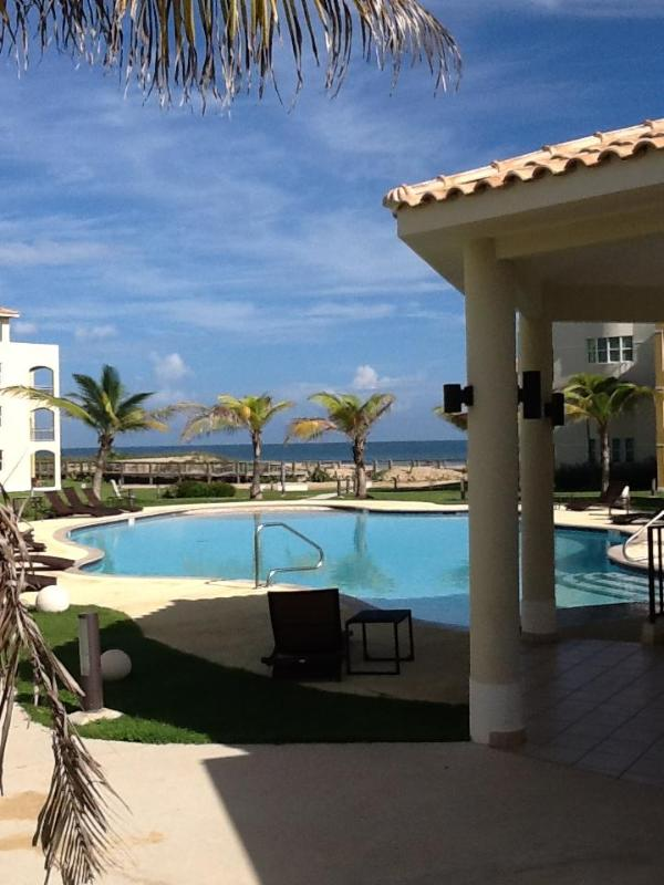 Front Beach Apartment & Private Beach - Image 1 - Isabela - rentals