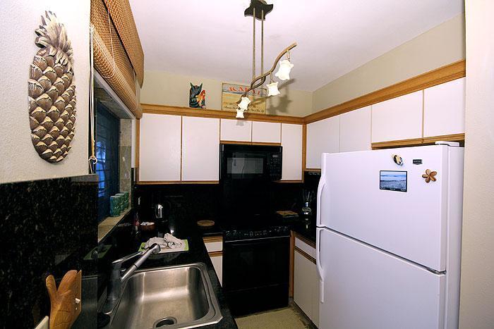 Kitchen - 3BR Deluxe Oceanfront Poipu Condo, Kitchen, WiFi, 302B - Poipu - rentals