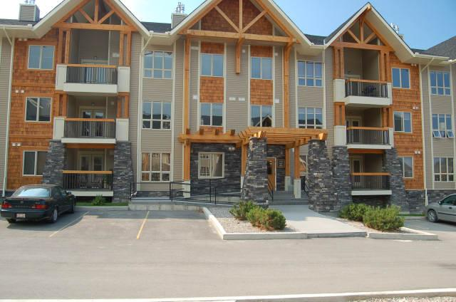 RS2305 - Sable Ridge Condo 2 bedrooms and den - Image 1 - Radium Hot Springs - rentals