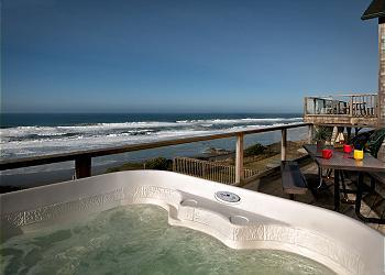 Hot tub view - Open 9/6-10 Blue Dolphin -Oceanfront w/ Hot Tub - Lincoln City - rentals