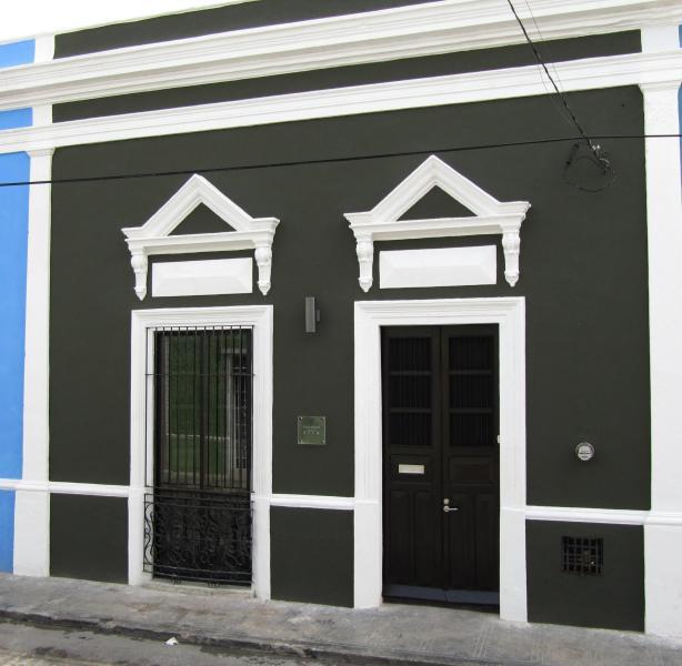 Townhouse facade - Perfect Location, Impeccable Design, Plunge Pool - Merida - rentals
