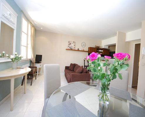 Eve- Charming 1 Bedroom Vieux Nice Apartment in Great Location - Image 1 - Nice - rentals