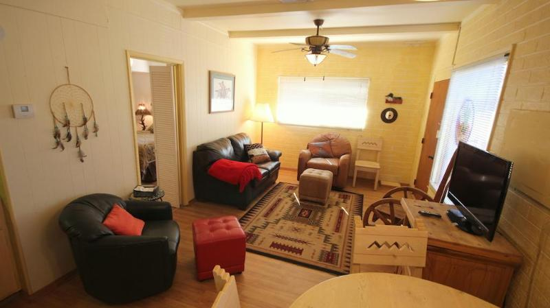 Guest House Living Room - Beautiful and Affordable Guest House - Sedona - rentals