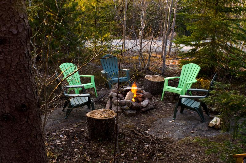 Time to toast marshmallows and get cozy! - Cute and Cozy Cabin Close to Acadia National Park! - Bar Harbor - rentals