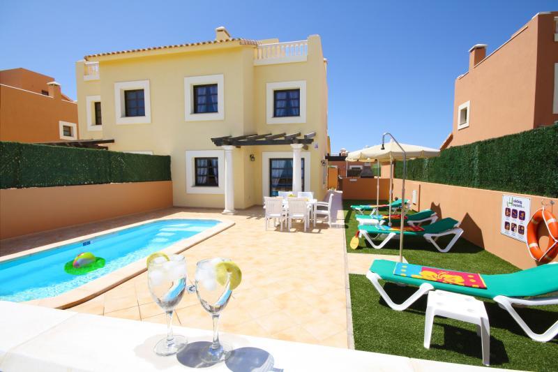 "Duplex Viila - ""HOLIDAY VILLAS"". Private pool and near beaches - Corralejo - rentals"