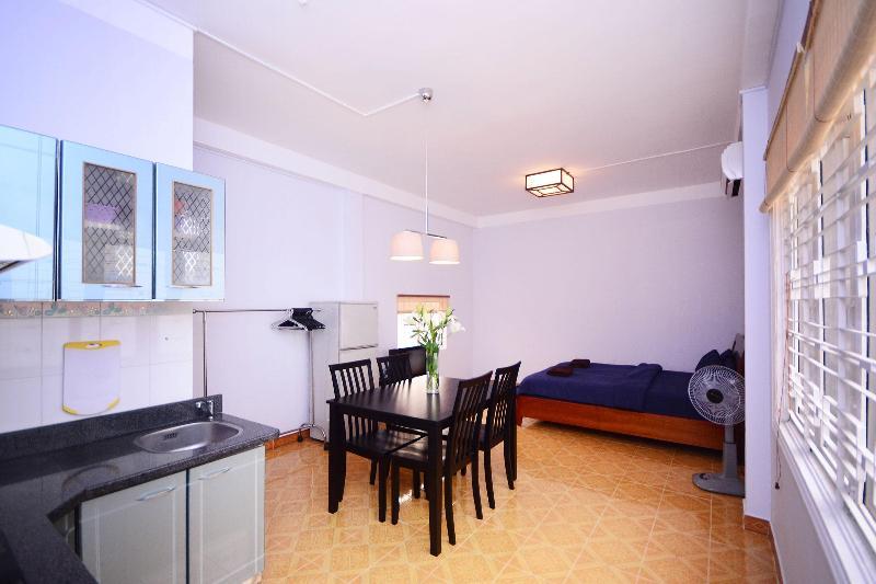 A bright and spacious open plan studio apartment - D1 Studio Apt w/Full Kitchen: Location, Location! - Ho Chi Minh City - rentals