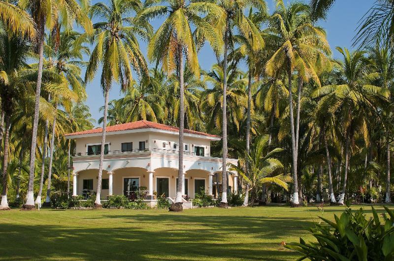 Villa Los Sueños - Daytime - 3BR/3.5BA Family Friendly Beach Villa - Platanitos - rentals
