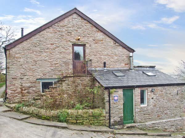 THE HAYLOFT, detached cottage, with woodburner, en-suite bedrooms and garden, near Combs, Ref 17509 - Image 1 - Combs - rentals
