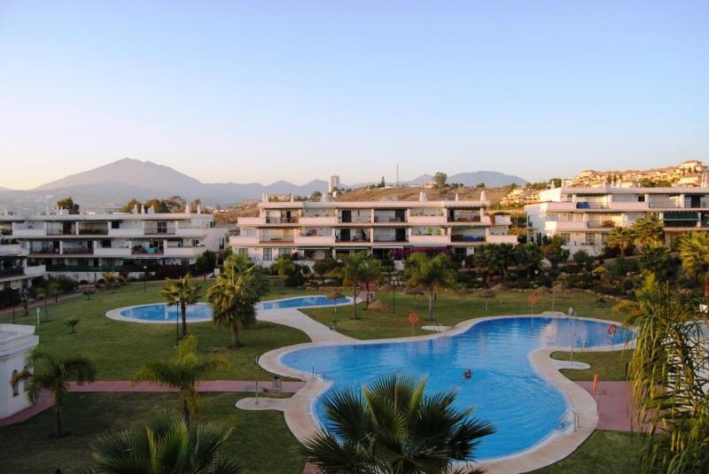 Apartment complex and pool - Dhondt 2 bedroom apartment close to Puerto Banus - Province of Malaga - rentals