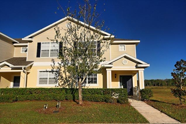 Front of Home - Perfect 3 Bed Townhome with an Onsite Clubhouse - Kissimmee - rentals
